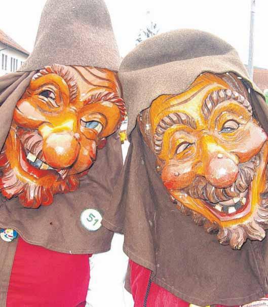 Eindrucksvolle Masken. FOTOS: PRIVAT